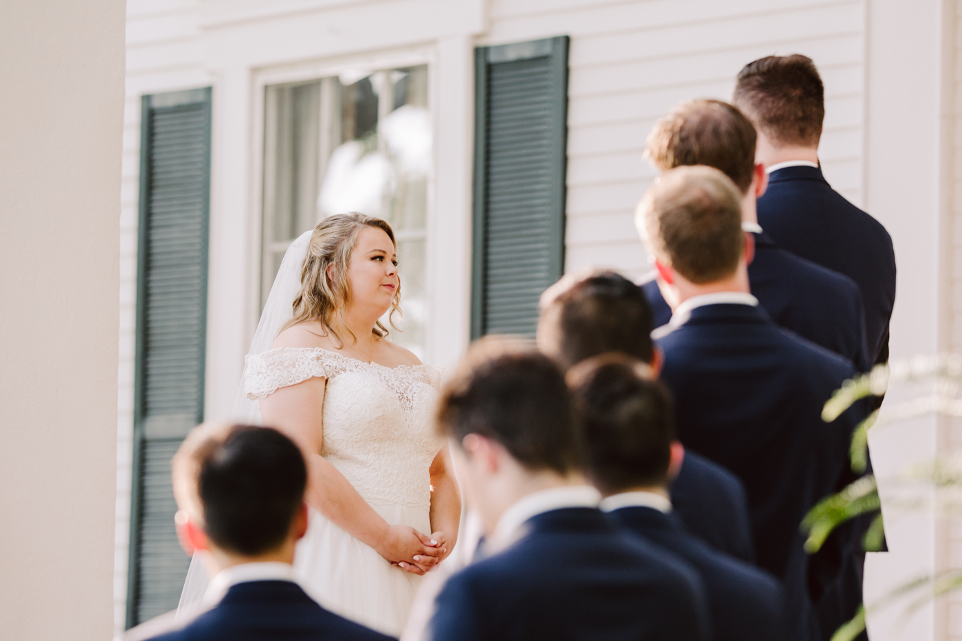 sunny summer wedding at the venue at twin oaks tennessee