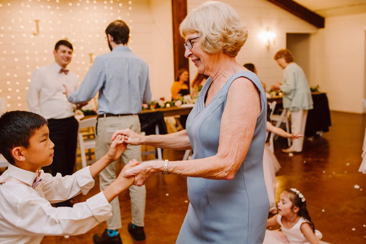 venue-at-twin-oaks-tennessee-wedding (53).jpg