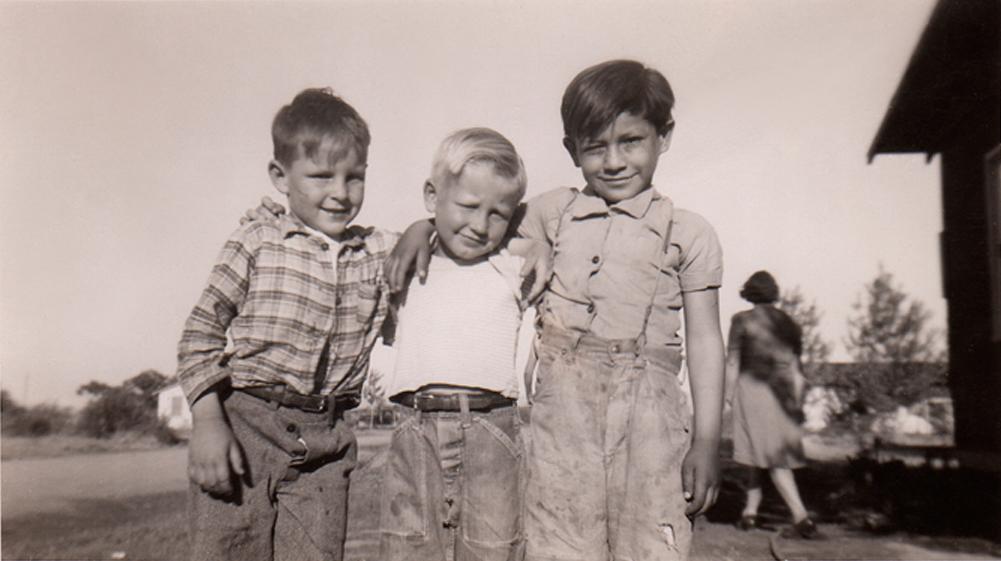 DAVID & TWO PALS, 1946