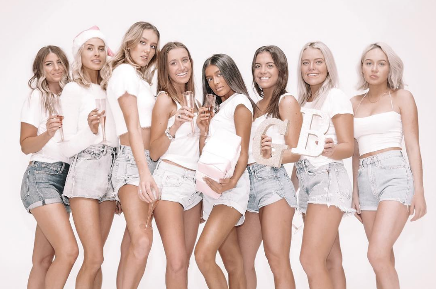 tanning-carly-frei-business-women-feature-blog-verb-mgmt-spray-tan-organic-all-natural