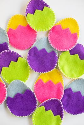street-hope-easter-eggs-felt-eggs-art-artisan-group-formerly-homeless-women-sewing-collective-easter-egg-hunt-business-women-verb-mgmt-blog-may