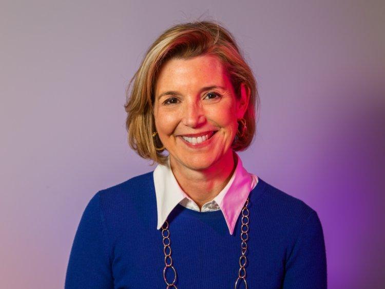 june-crushlist-sallie-krawcheck-cofounder-CEO-digital-financial-advisor-mission-gender-gap-women-female-business-finance-verb-mgmt-blog