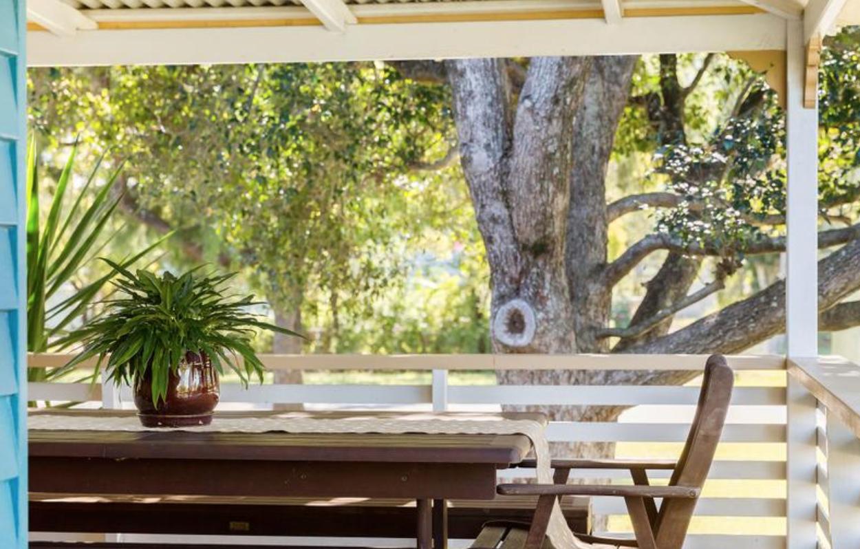 Brisbane: that verandah out the back. tick.