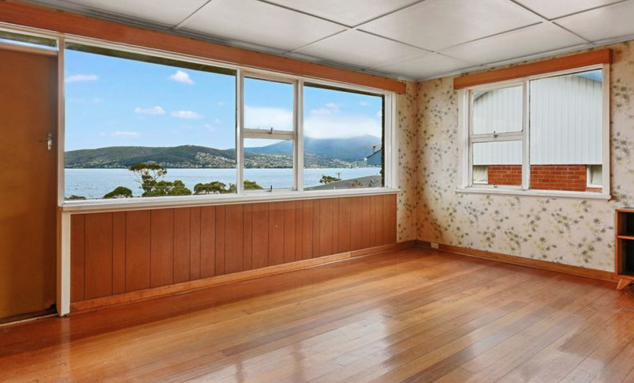 Hobart: that wallpaper, those views