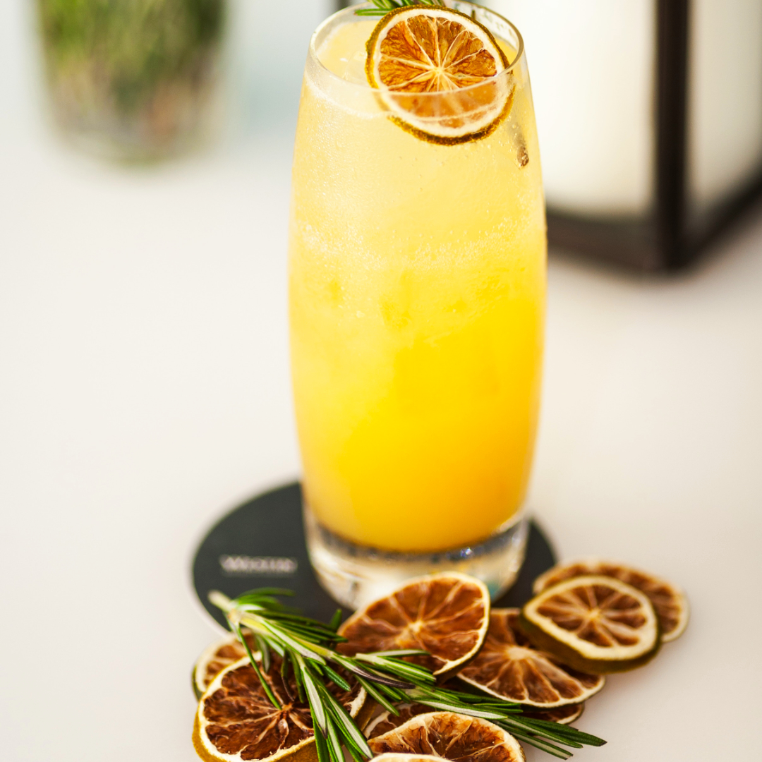 Perfect screwdriver - 1 1/2 oz Lavikob vodkaFreshly pressed orange juiceSplash of amaretto liqueurComplement with dehydrated orange and rosemary
