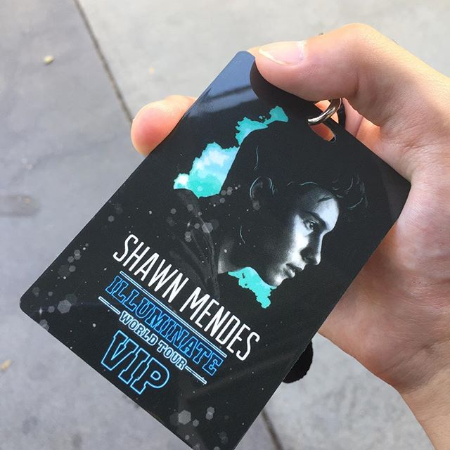 Thanks @grammyu for the @shawnmendes pass. It was awesome talking to you for a literal sec about @scottharris123 and songwriting!