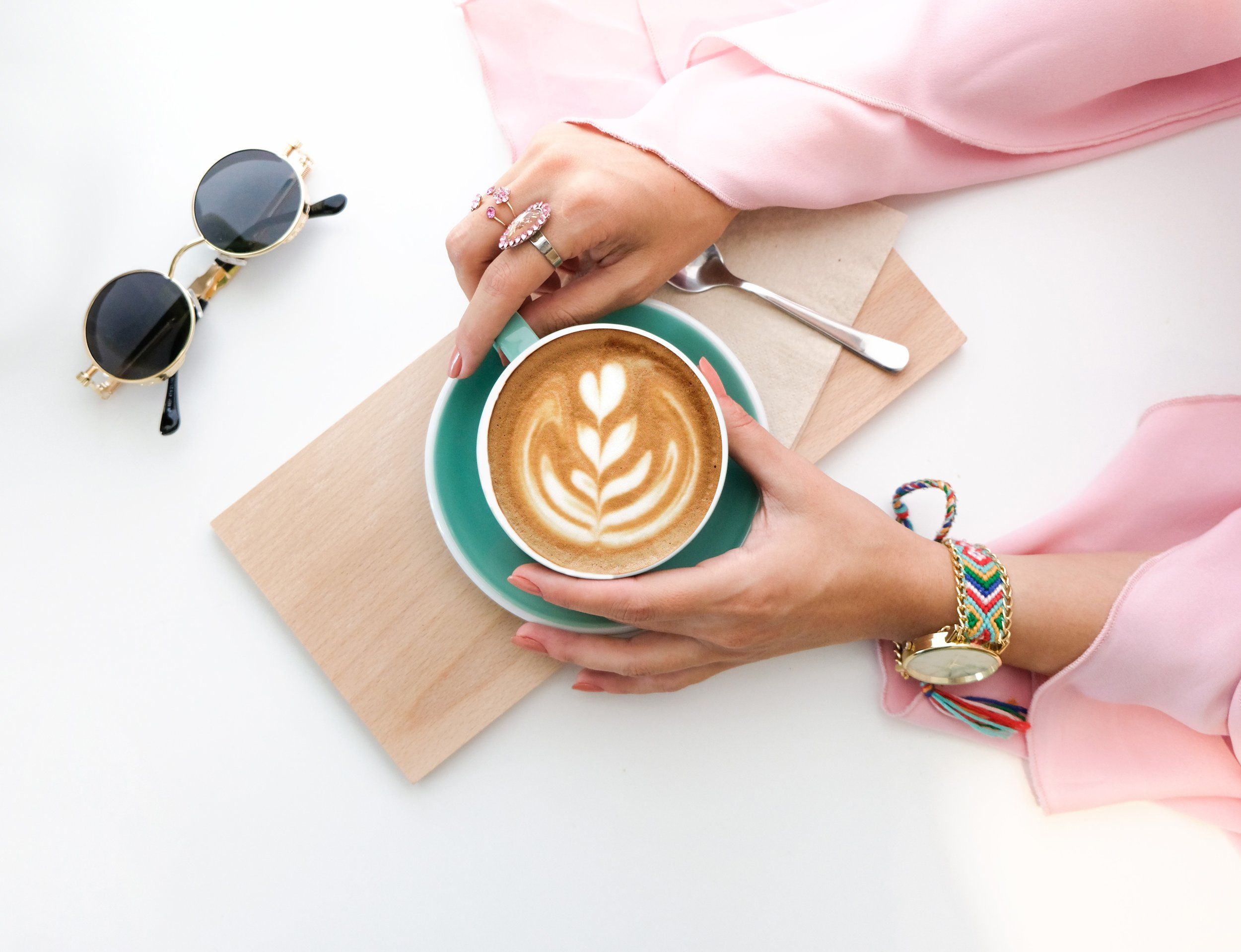 beverage-brewed-coffee-caffeine-1260591.jpg