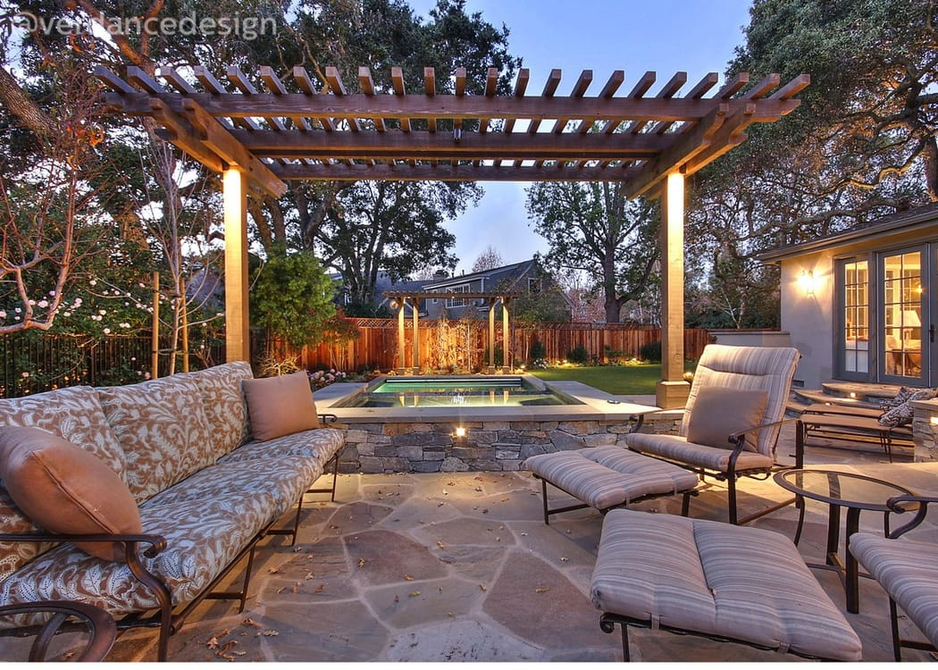 Gallery_JOH-lounge-patio.jpg