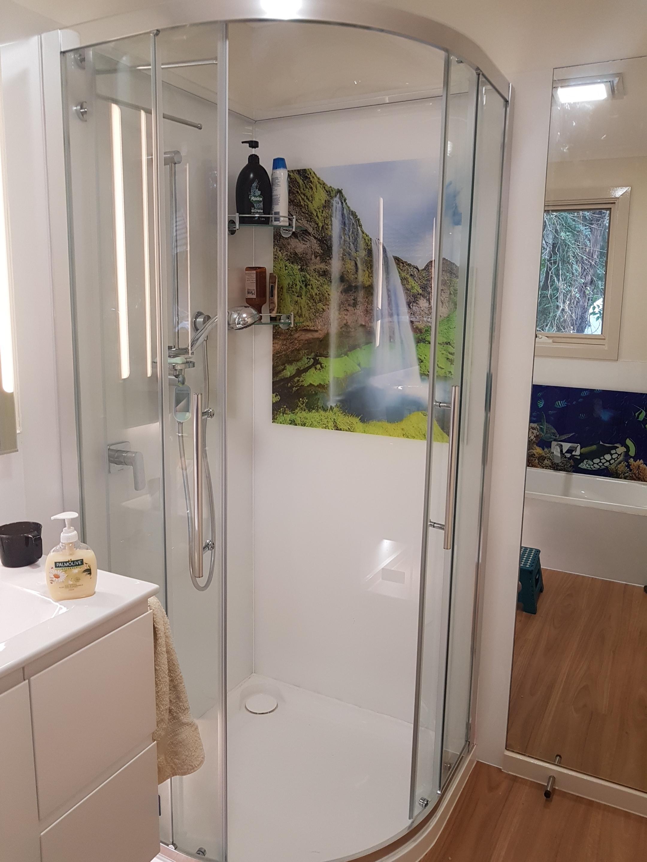 Shower printed splashback