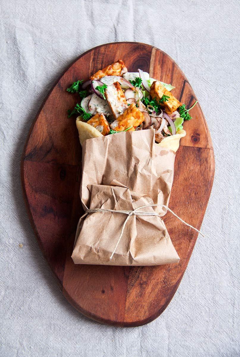 griekse-wrap-gemarineerde-tempeh-vegan-whole-foods-olievrij-02.jpg