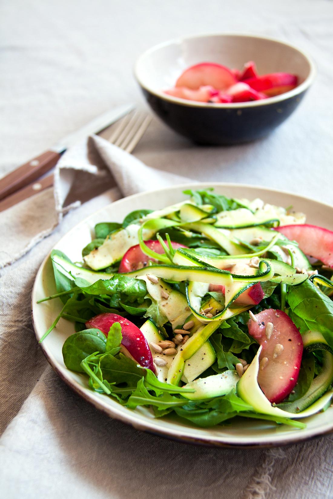 salade-gegrilde-perzik-courgettelinten-vegan-whole-foods-olievrij-glutenvrij-.jpg