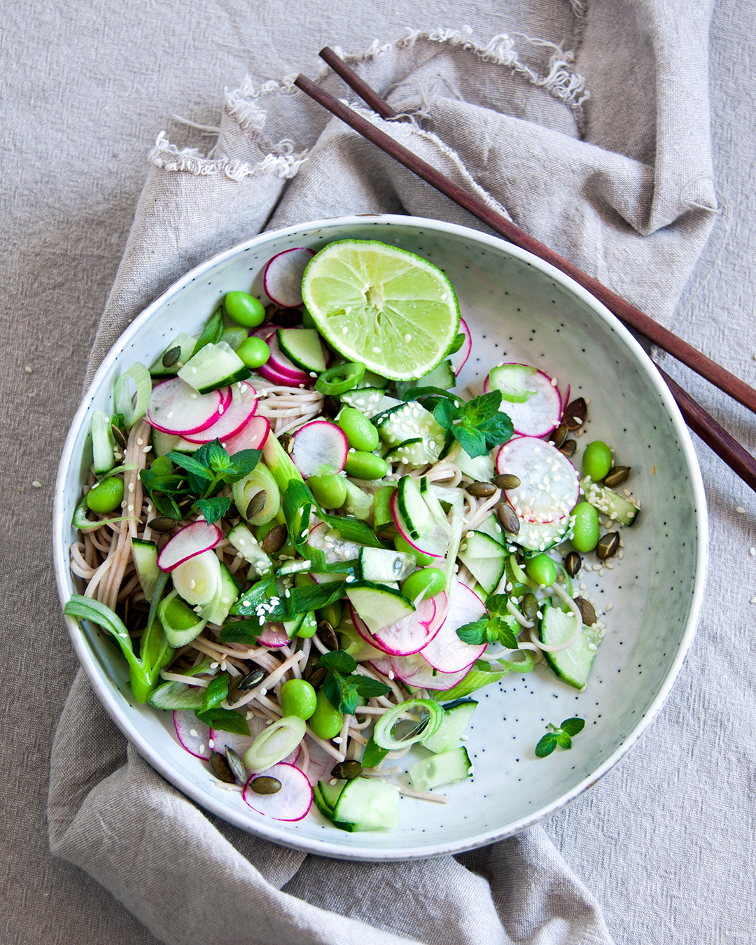 noedelsalade-radijs-edamamebonen-vegan-whole-foods-olievrij-glutenvrij.jpg