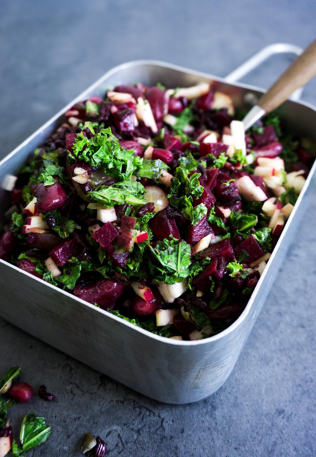 herfstsalade-rode-biet-boerenkool-vegan-whole-foods-olievrij-suikervrij.jpg