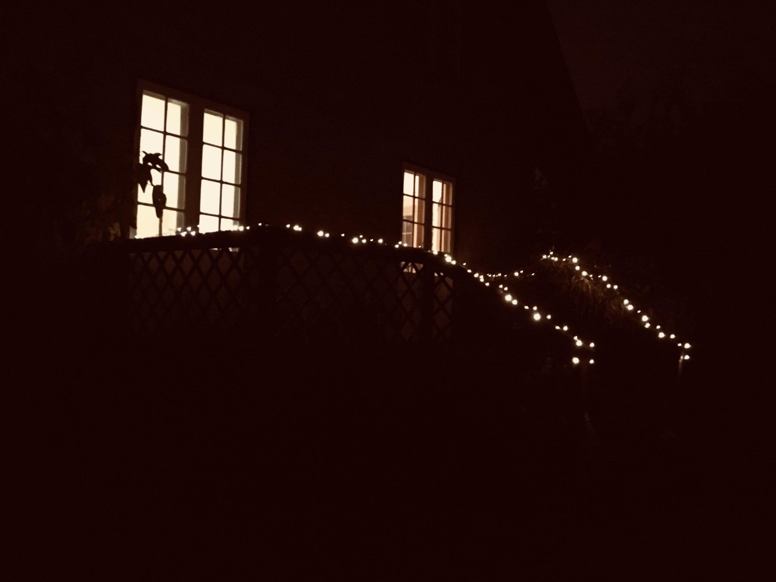 DECEMBER: Mørkets og lysets måned.