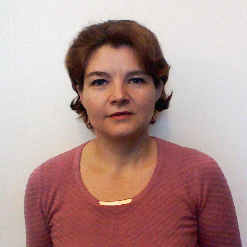 Simona Ilie - Office ManagerSimona are experiență de economist în departamente de comerț internațional, fiind absolventă a Facultății de Economie Generală din cadrul A.S.E. București. Este convinsă că oamenii sunt cea mai importantă resursă a unei societăți și crede că aprecierea / valorizarea calităților acestora poate fi secretul pentru o lume mai bună. S-a alăturat echipei AFF pentru a-și aduce aportul la o cauză care aduce îmbunătățiri societății românești.