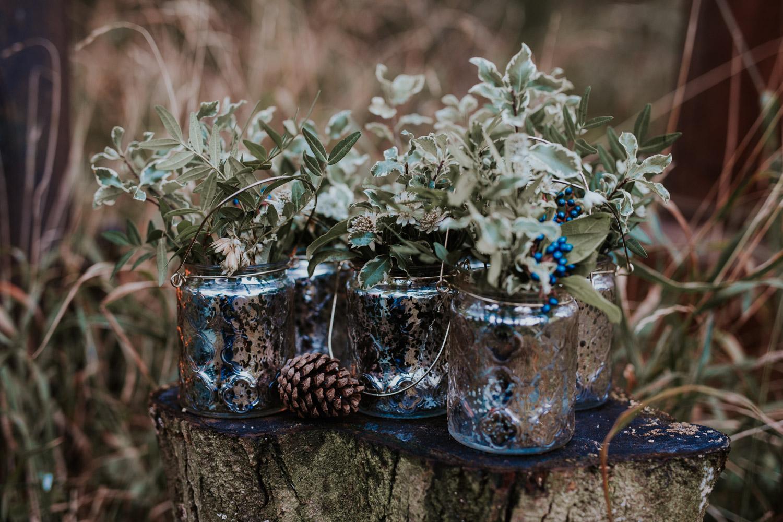 Stylizowana Sesja Ślubna w zimowym lesie AnnabellaPhotography, Fotograf ślubny Nysa (4).jpg