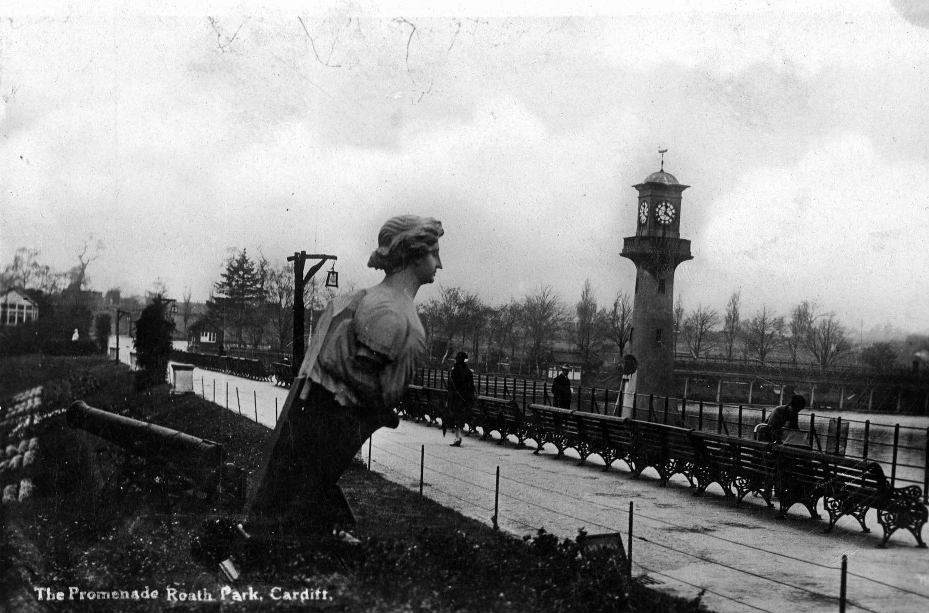 After World War I, two German guns were placed at Roath Park, but were removed shortly afterwards due to complaints from the public. You can see one of them on the left of the photograph.