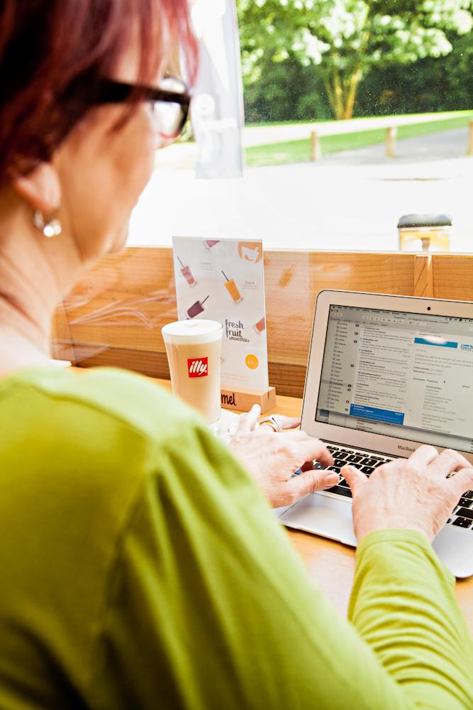 Free wifi - Gratis wifi voor onze klanten (zowel binnen als op het terras).