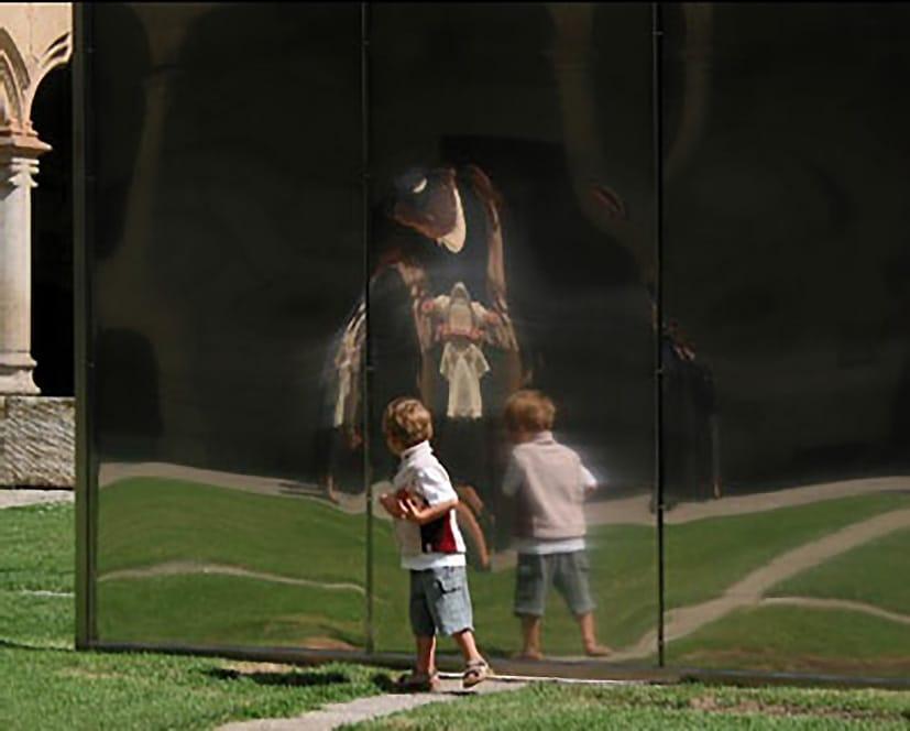 Nosotros escultura con niño Patio de Escuelas r.jpg