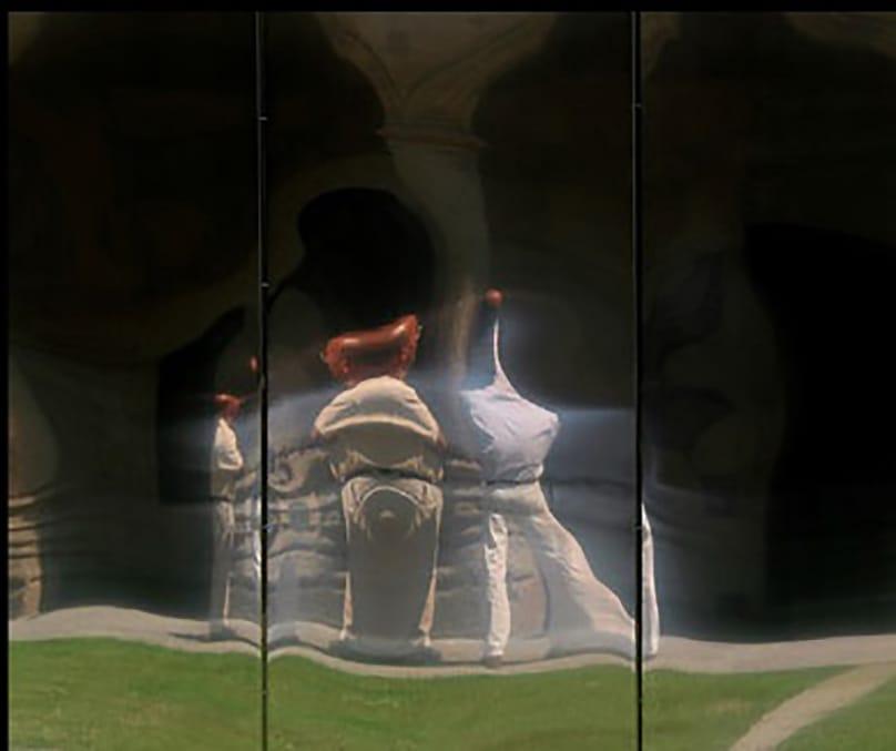 Nosotros escultura con Figura D Patio de Escuelas r.jpg
