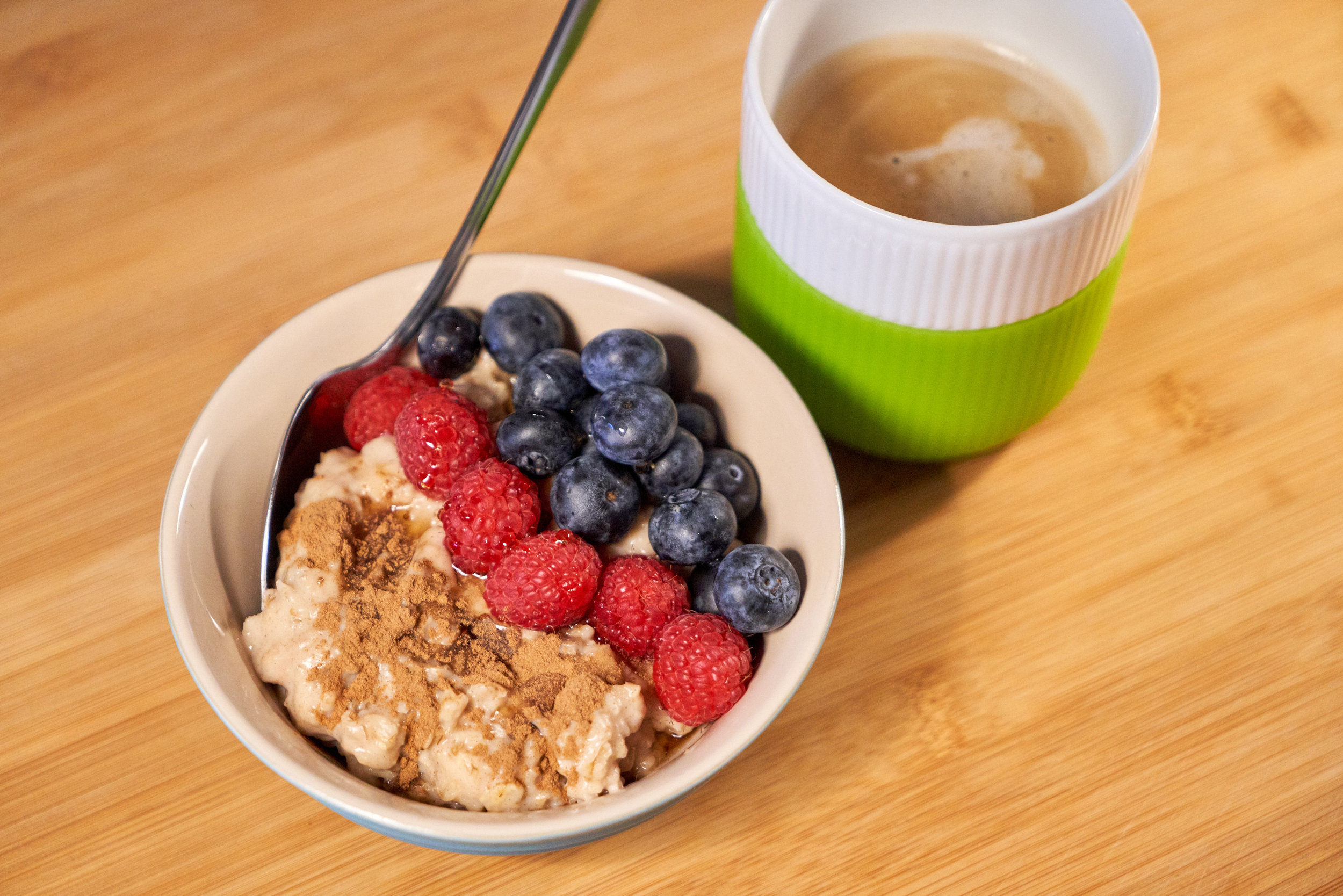 Meat-Free Monday Meal Prep | Full Day Meal Plan - breakfast: peanut butter porridge/oatmeal topped with fruits | In Carina's Kitchen