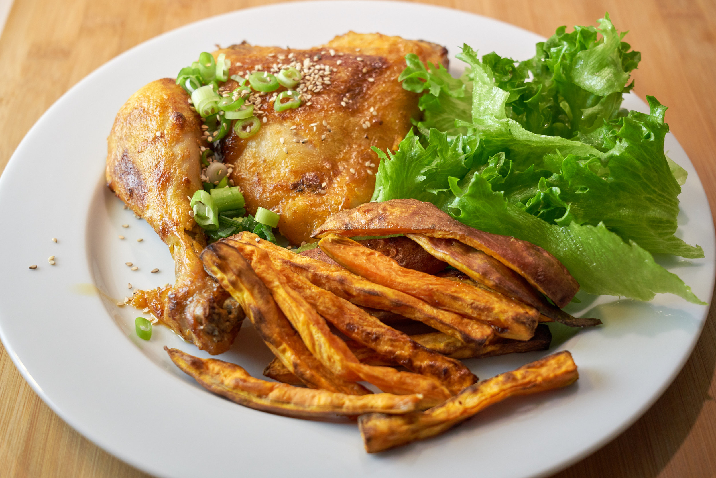 Crispy Sriracha Chicken with Homemade Mayo, Oven Baked Sweet Potato Fries and Salad | In Carina's Kitchen