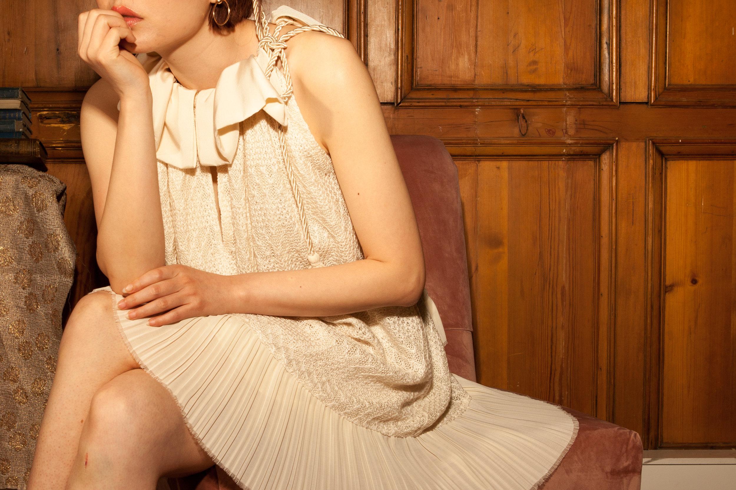 Short sleeveless dress by Baue