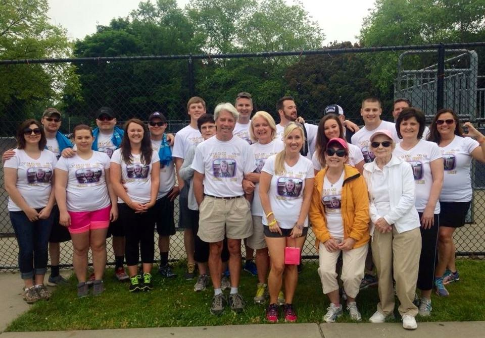 Team CC runs a marathon to raise funds to fight childhood cancer, supported by Thomas Construction Consulting