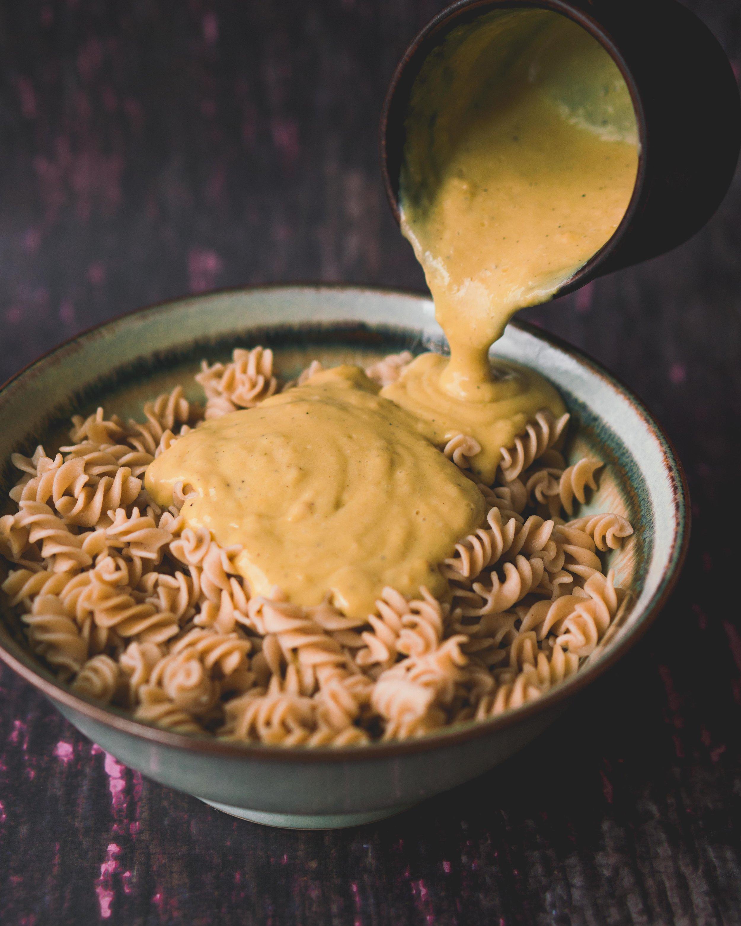 Sauce Alfredo végane - 7 ingrédients - assez pour 2 à 3 portions de pâtes