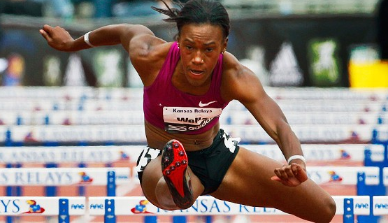 The hurdler's left QL is placed in a shortened position