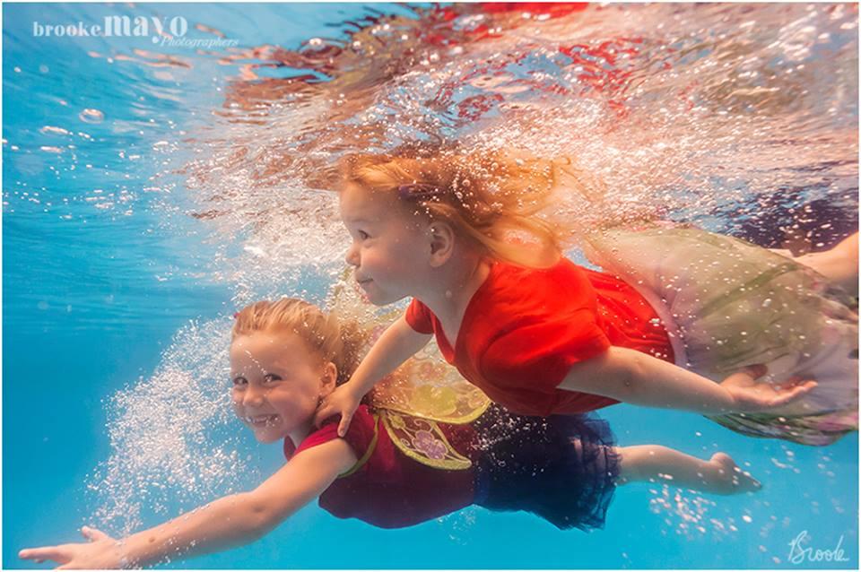 underwater ISR photographer