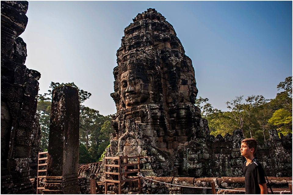 temple faces angkor wat