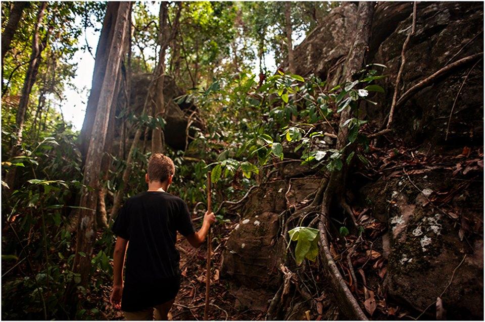 koh ta kiev jungle hike to elephant rock