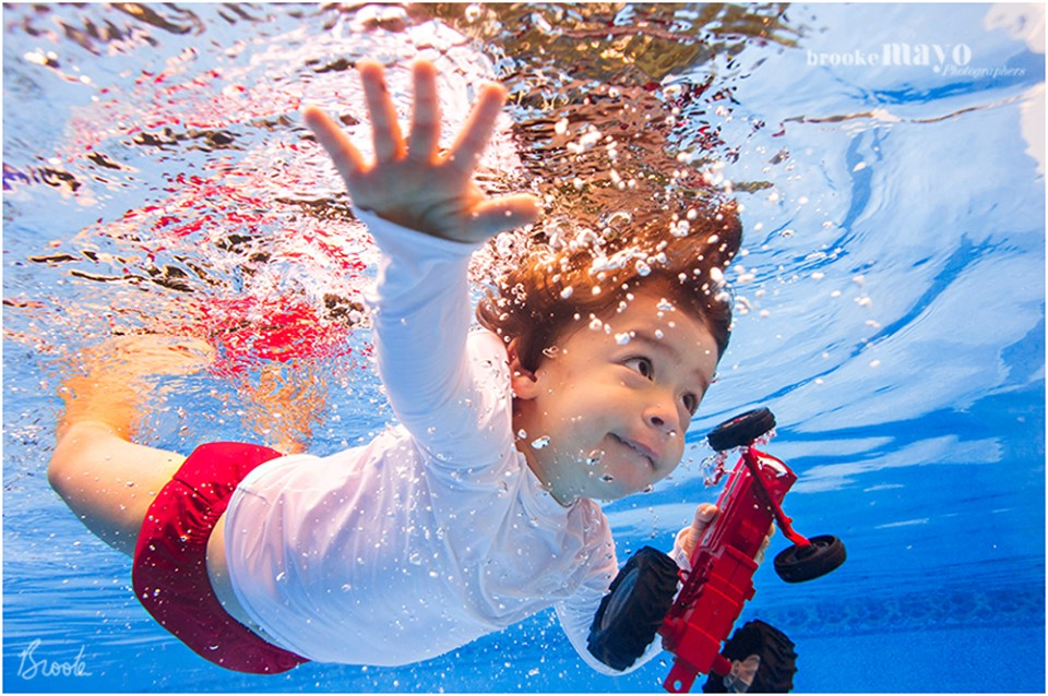 ISR underwater kid photography