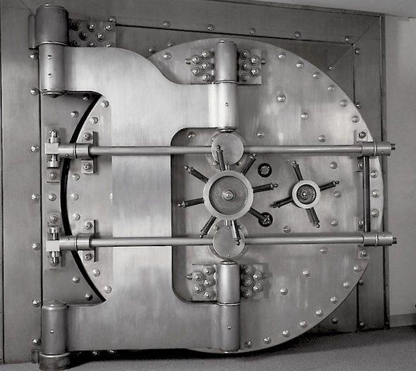 Bank vault door.jpg