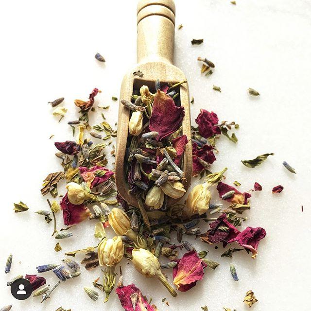 RELAX RELATE RELEASE. Feeling calmer just looking at it, aren't you? #Jasmine #rosepetals #lavender #spearmint • • • • • • #tea #teapro #teauniversity  #cupoftea #teagram  #cuppatea  #instatea  #ilovetea  #looseleaftea  #theteafactor  #PushaTea  #ny  #nyc  #teaparty  #afternoontea