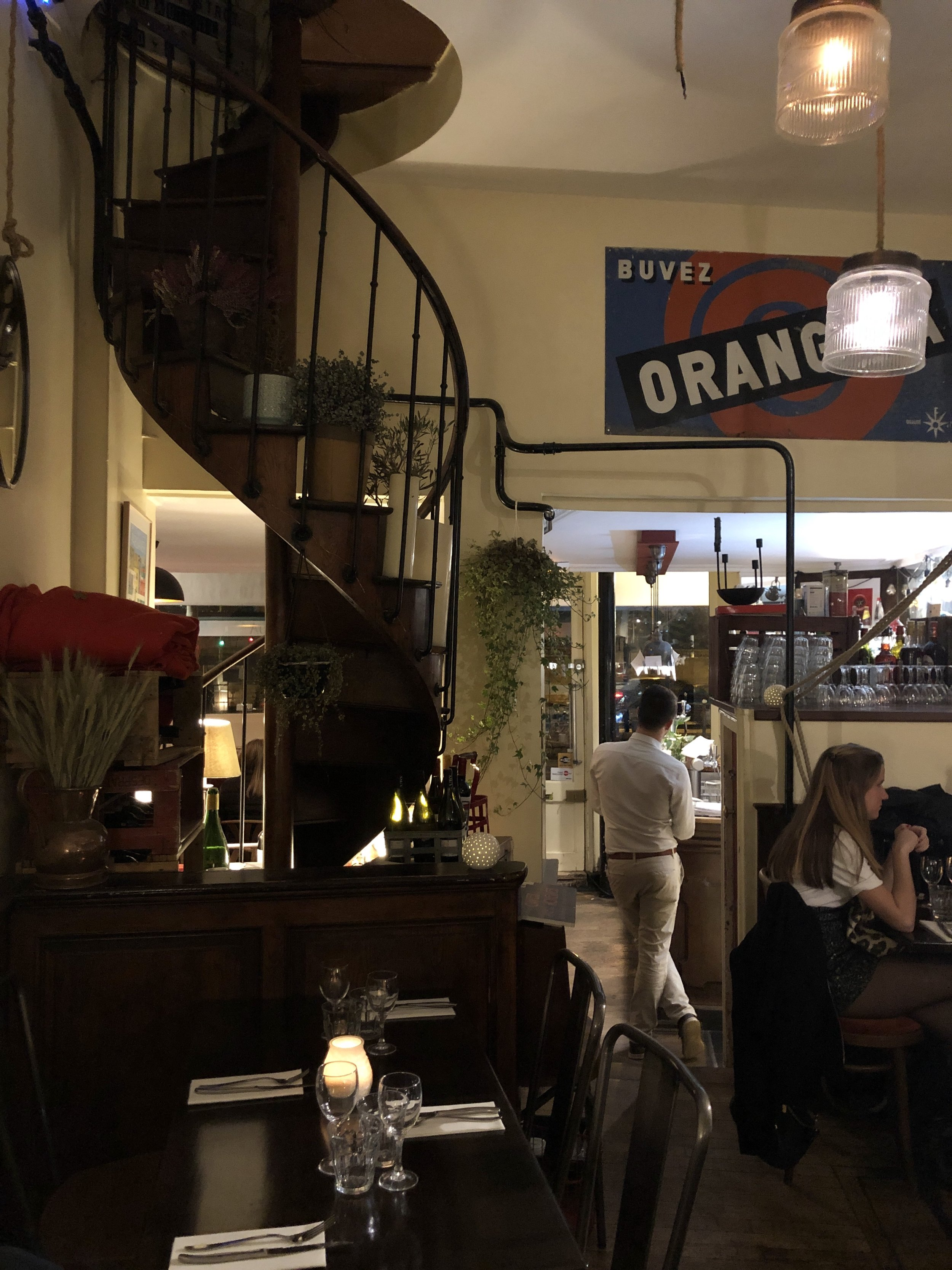 Inside the Petit Bistro d'Auteuil
