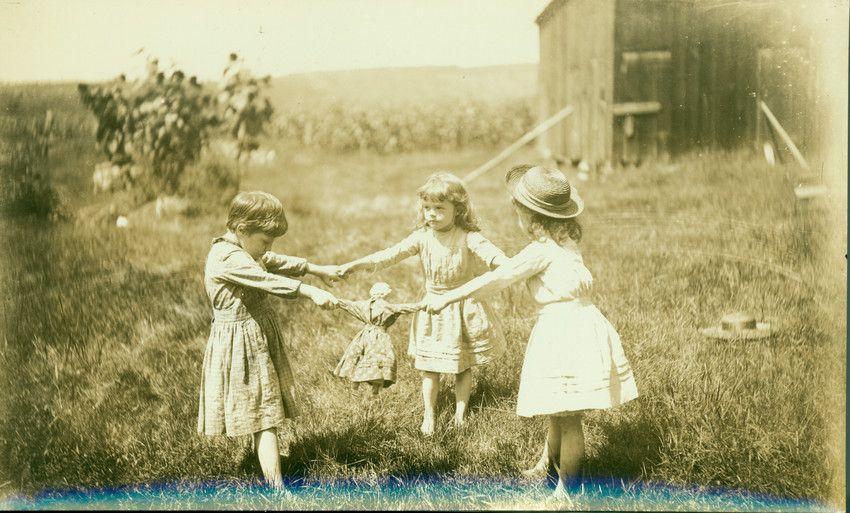 Emma Lewis Coleman, Children Playing, Deerfield, Mass.