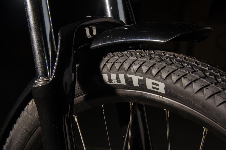 fuzz tire and fender .jpg