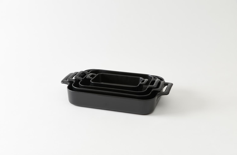 revol black roasting dish