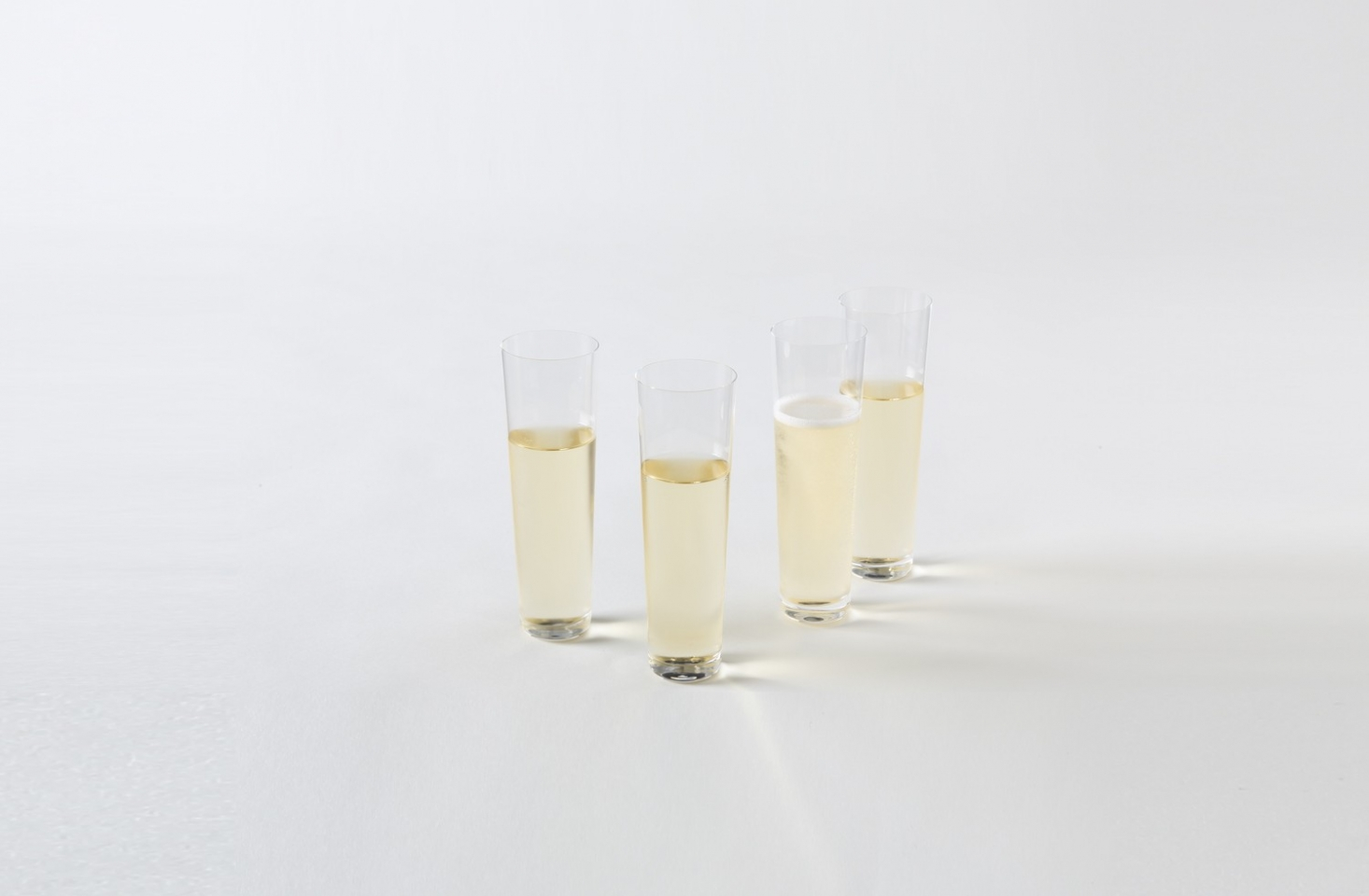deborah-ehrlich-simple-crystal-straight-champagne-glasses-march-1466x960.jpg