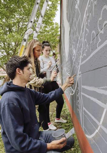 Mural mentorship project for Iowa Big as part of the XQ Super School project. Mural completed over the course of 3 days in May.