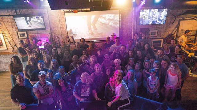 #cmafest2019 was one for the books!! Stay tuned for info on how you can join @olivialanemusic's official fab club and get exclusive content! #livitup #CMA #SESAC #ajsgoodtimebar #nashville #durangoboots #durangocma #fanfairx2019