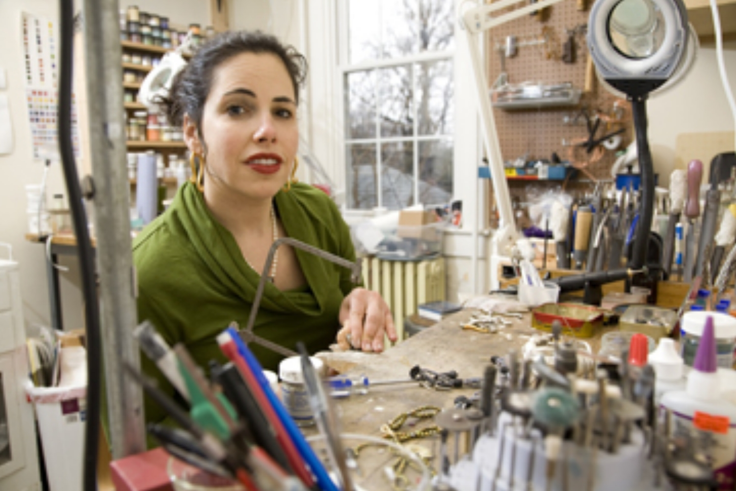 Shana Kroiz is a Baltimore based jewelry designer and maker who specializes in handmade enameled and precious metal art jewelry. Kroiz is internationally recognized for her meticulous craftsmanship and sensuous sculptural forms. Shana Kroiz creates Jewelry that is sophisticated yet edgy and is spectacular to wear!