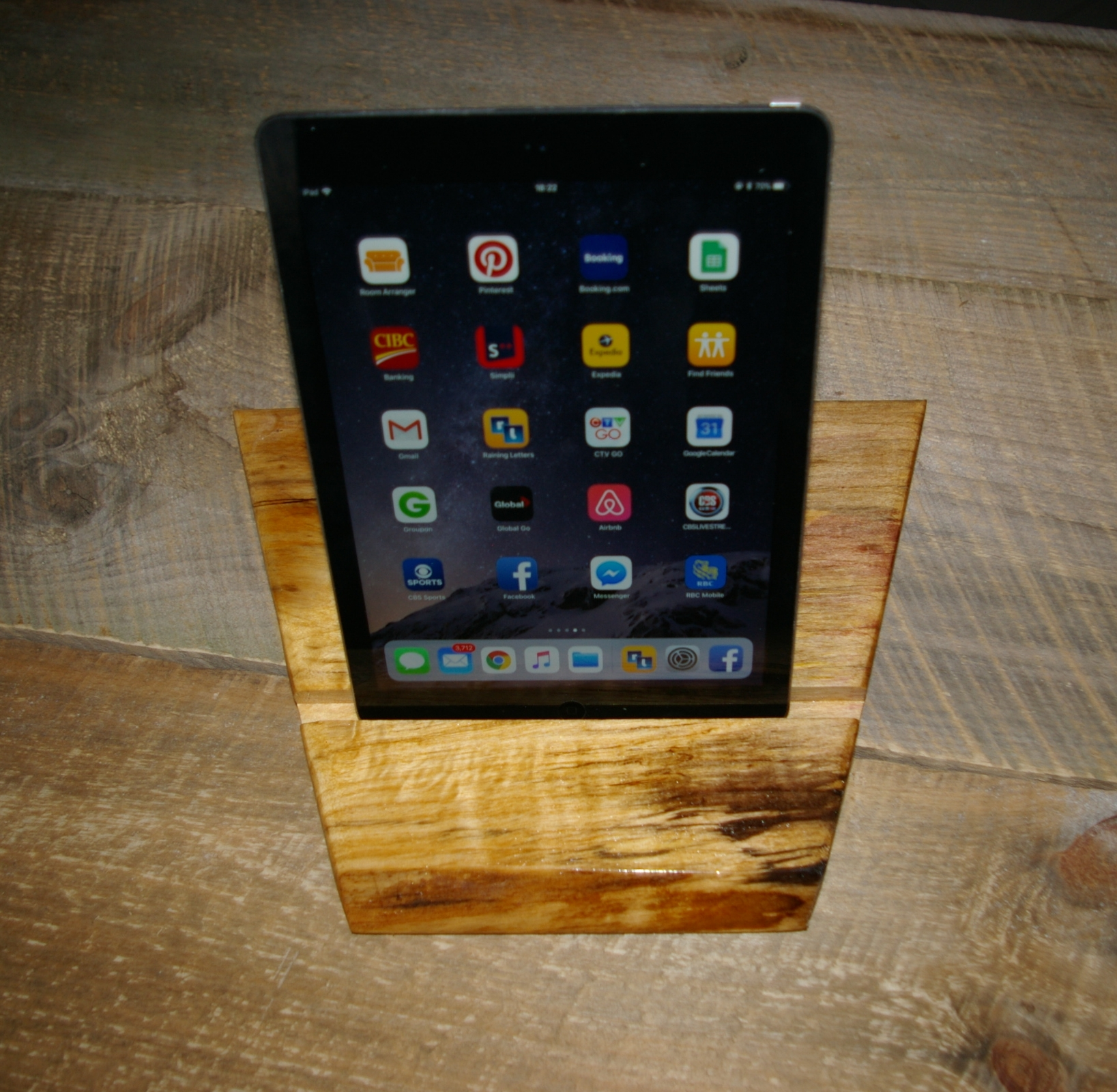 iPad desk top holder$25 - #504 Live edge poplar wood with gloss finishcan be used for both ipad or cell phone vertical or horizontal position, will fit ipads or cell phone without cover.Custom orders at no additional charge available for a wider groove to accomadate covers.size 9x12x 7/8