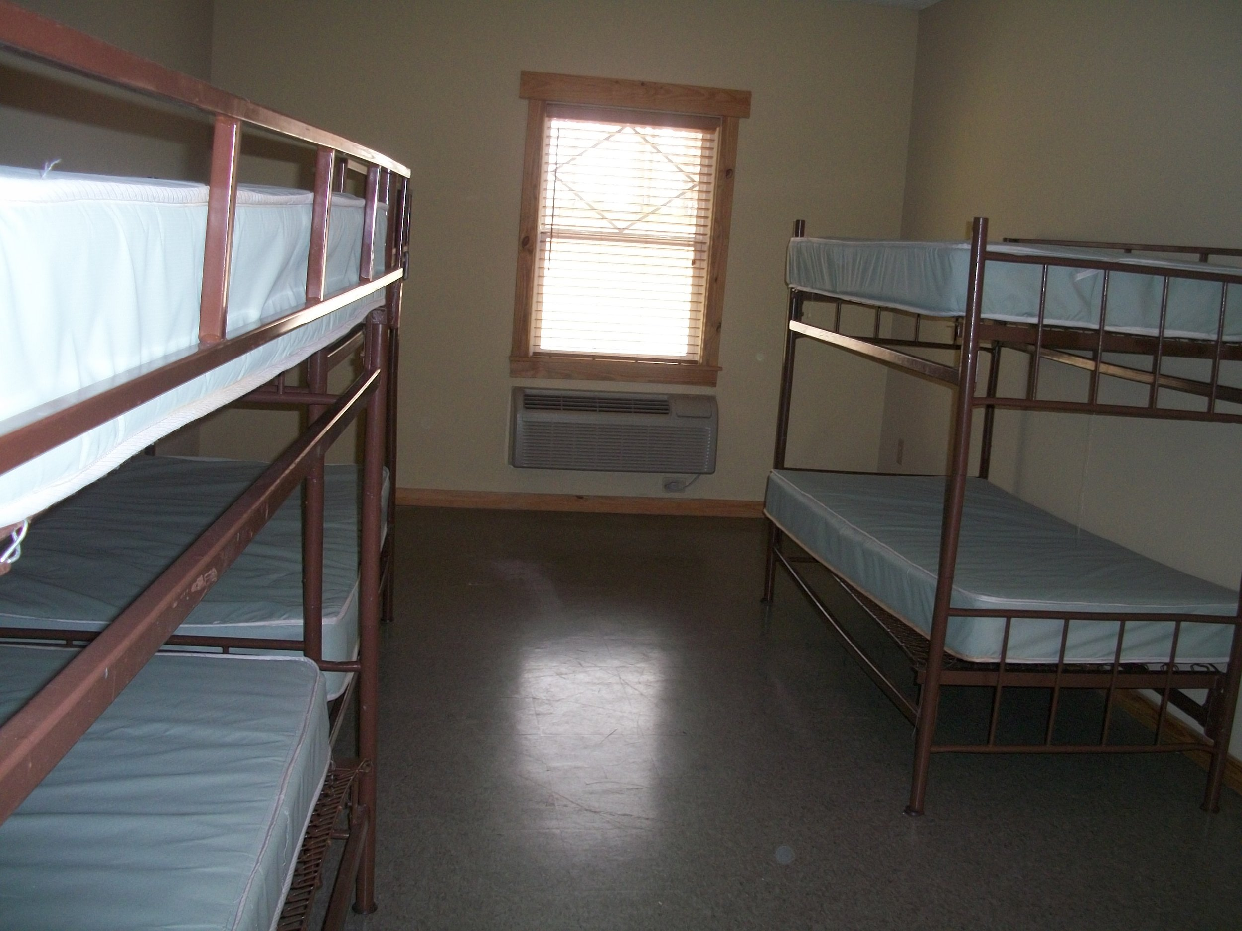 Ground-Level-Bunks-3.jpg
