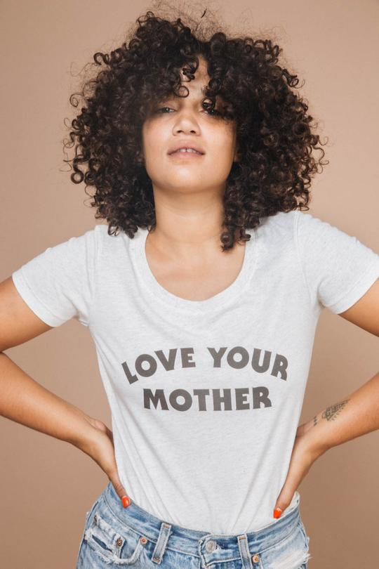 The_Bee_The_Fox-LOVE+YOUR+MOTHER+TEE+1.jpg