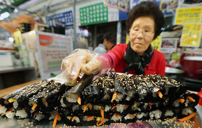 Mayak Kimbap at Gwangjang Market