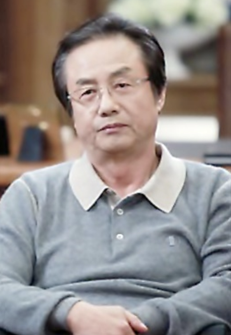 the-heirs-cast-jung-dong-hwan.png
