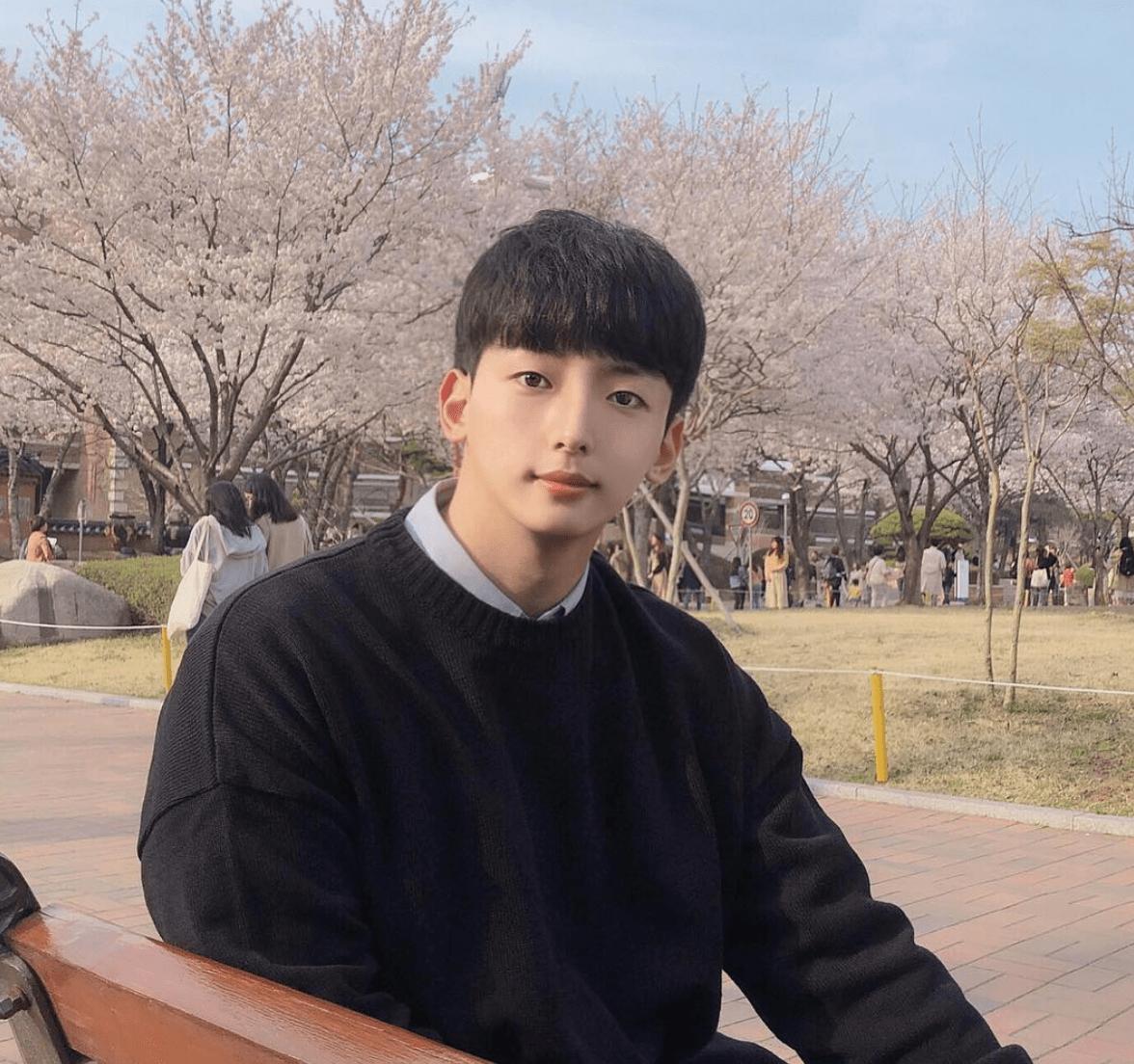 korean-social-media-influencer-instagram-model-yeojun_4.png